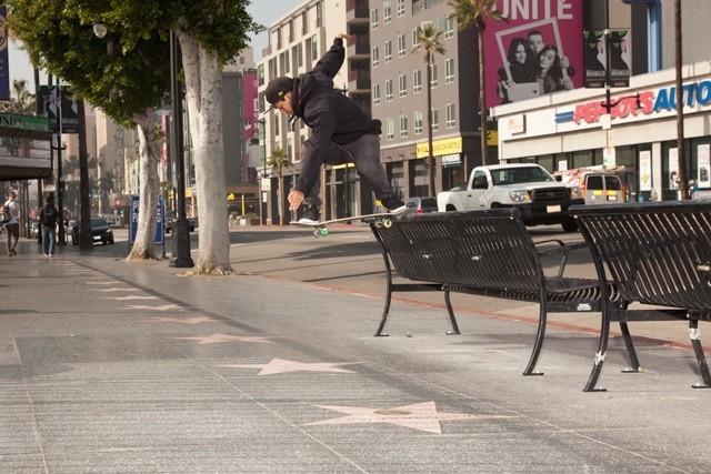 Kelvin Hoefler - Nollie bs tailslide em Hollywood. Foto: Ana Paula Negrão #qix #qixskate #skateboardminhavida #skate