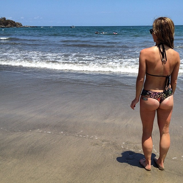 When in Mexico ... #sunsoutbunsout #mexico #sayulita #surfing #girlstrip #funinthesun #beach