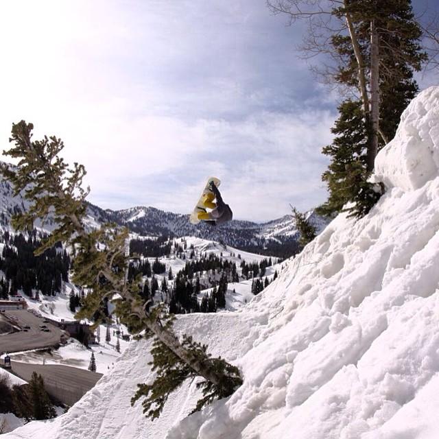 Team rider from #Utah @shansen212❄️#frostyheadwear #snowboarding