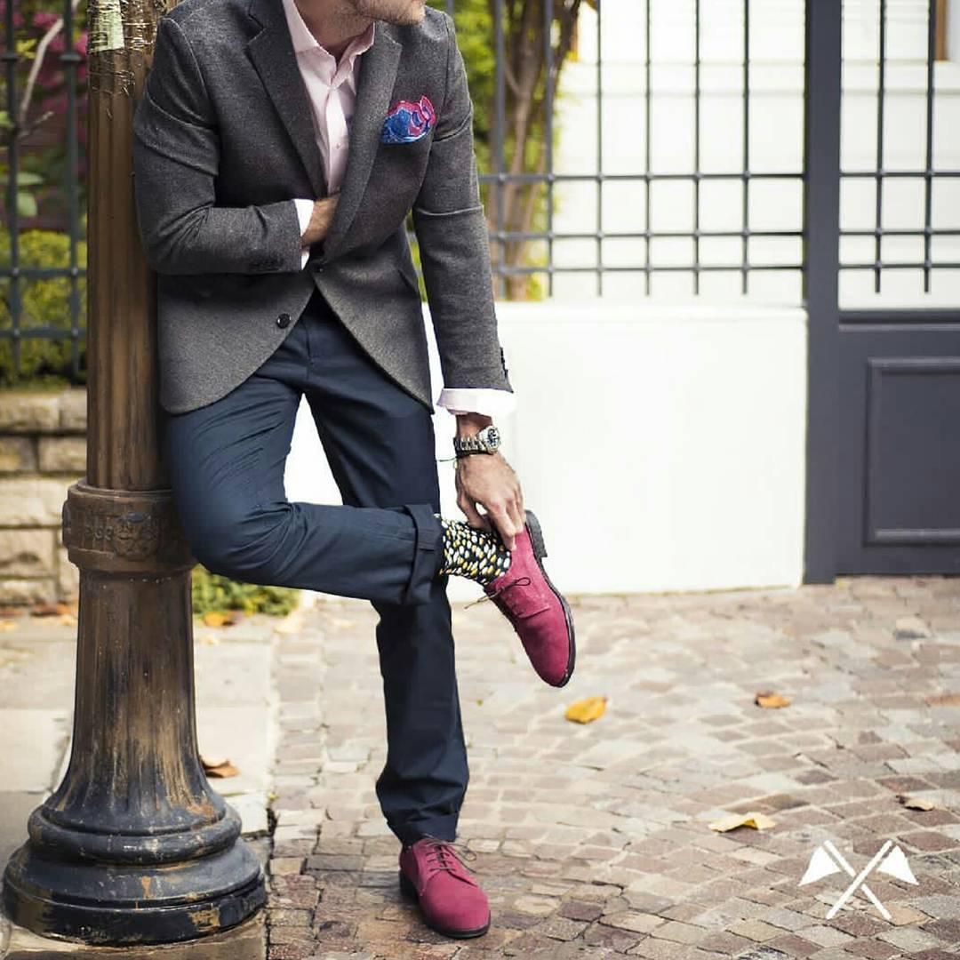 Detalles de color para estos días oscuros. Aprovecha los descuentos de la colección Otoño-Invierno en www.twinsdw.com y estate atento a lo que se viene... #TwinsStyle #winter #lannister #shoes #shoesformen #modamasculina #moda #style #instafashion...