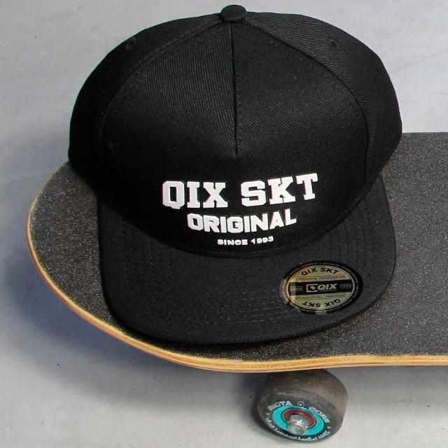 Qual o seu preferido pra sessão: touca ou boné? Toucas e bonés QIX - LOJAQIX.COM.BR #qix #qixskate #skate #streetwear