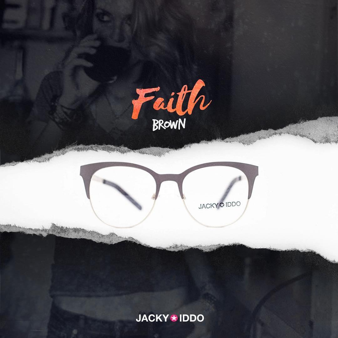 ✚ Faith Brown ✚ #urban #look #style #urbanstyle #lentes #anteojos #gafas #sunglasses #jackyiddo #actitudjacky