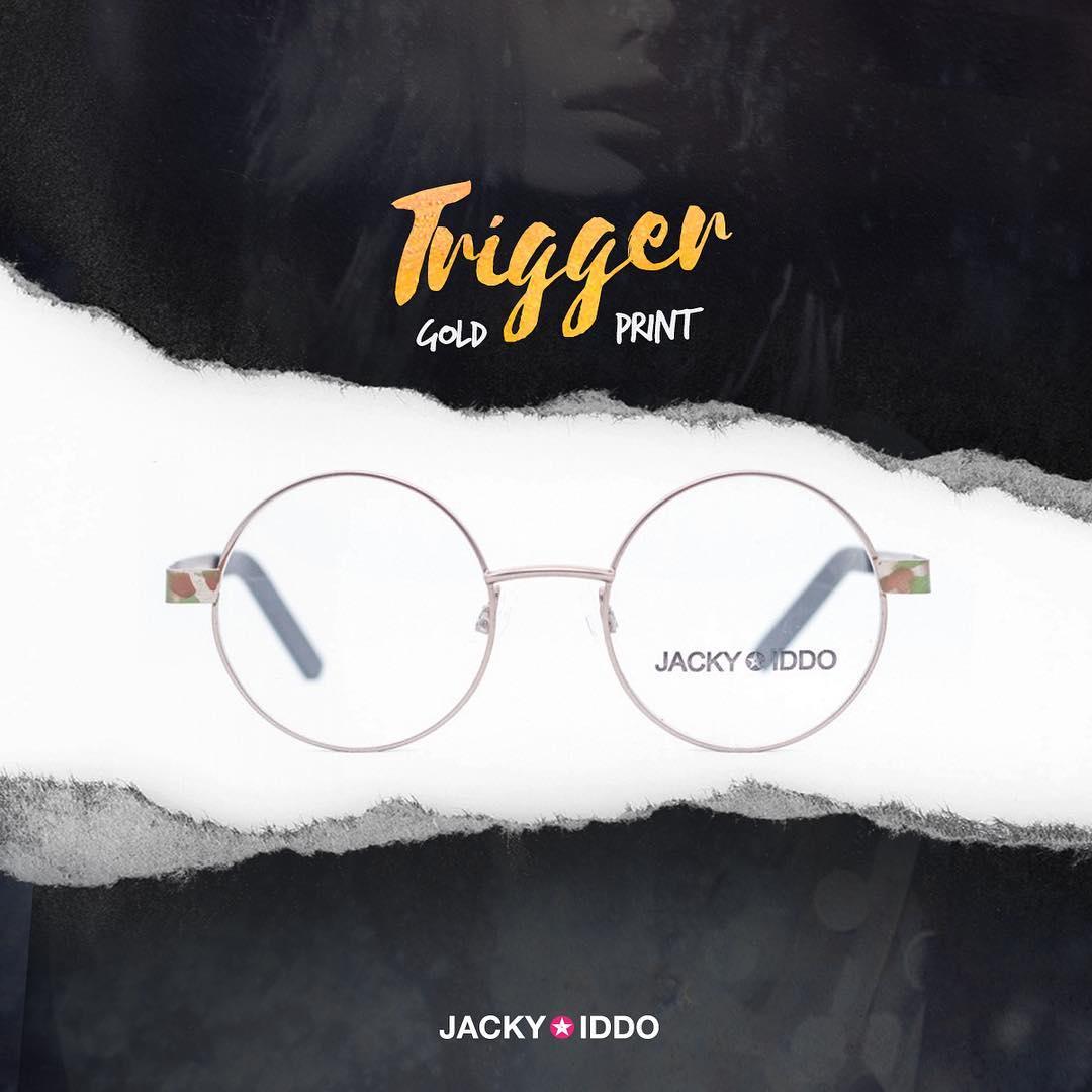 ✖︎ Trigger Gold Print ✖︎ #urban #look #style #urbanstyle #lentes #anteojos #gafas #sunglasses #jackyiddo #actitudjacky