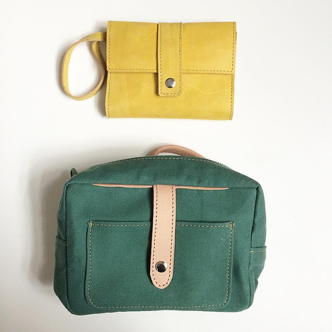 #amarillo #verde #industriaargentina #porta pasaporte y #neceser #Pitimini