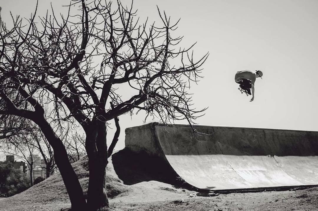 @joeldecastroskt99 brilla! Aun en byn #AriseSkateboarding #believeskateboards