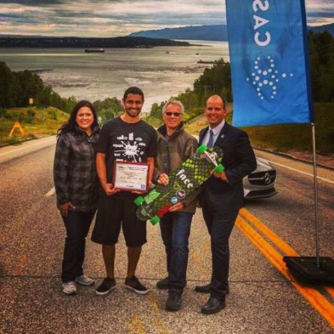 Quebec Canada  Top Speed world Record 137.03 kmph  2016 Downhill speed  Longboard #blackmamba #deck#madeinusa #brasil #oregon #california#speed #repost #record# #uzicobearing #fast#uzi #uzicopresicion #uzicogriptape #uzicogloves...