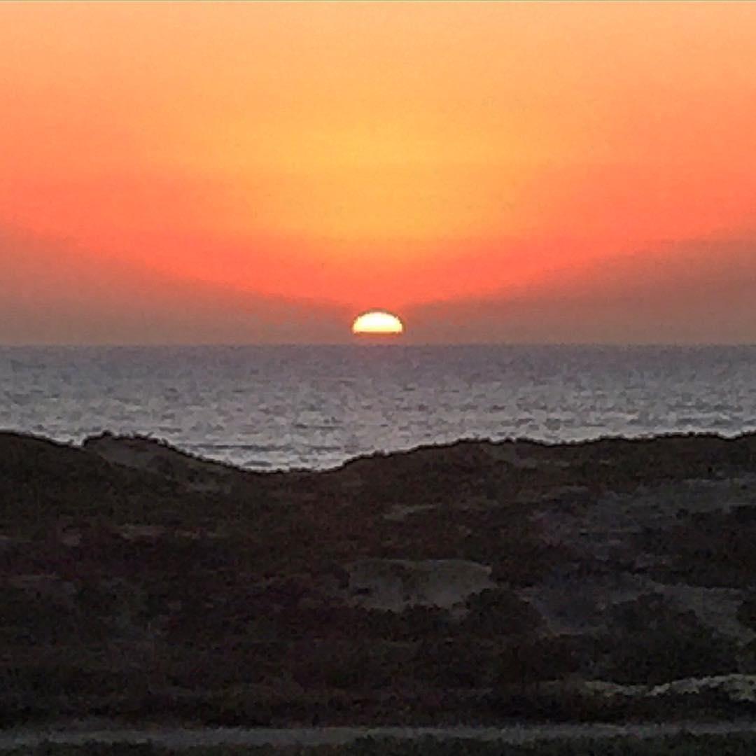 Good day sunshine! Always a pleasure to see a sunset in San Francisco #sunset #sflove #surfrider #oceanbeach @surfrider @sfsurf