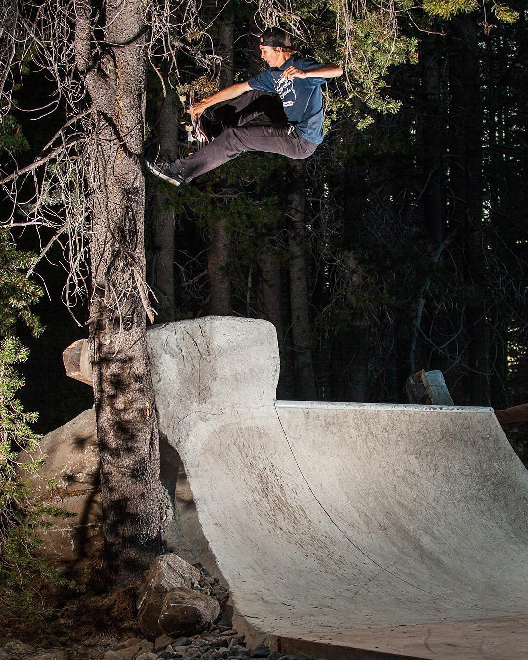 Crazy boneless to footplant from @jworthit @woodwardtahoe #academy530crew