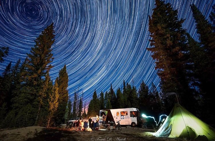 Get out there!! Last weekend up in the #Idaho mountains the ##Phgb motor home posted up under the night sky for a little party✨