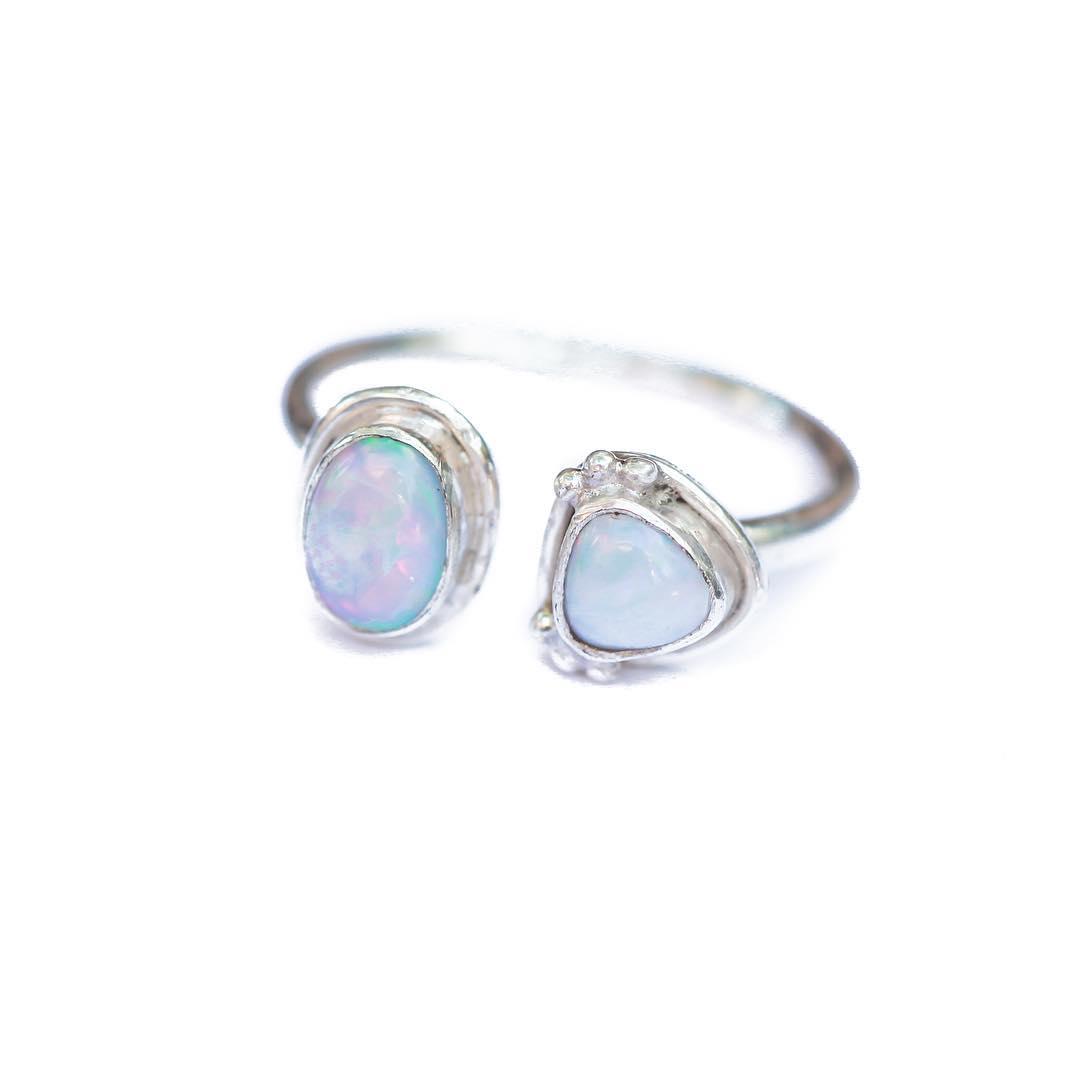 Australian Boulder Opal Clutch Ring.  One size fits everyone!  #goddess #finejewelry #gemstones #gemlove #backtoschool #clutch #juliaszendrei #tt #opal #opalring #australia #boulderopal #vineyard #glenellen #sonoma #styleguide #fallstyle