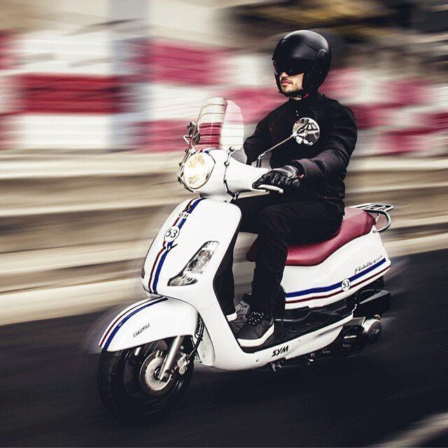 Apretar el acelerador y sentirte libre aunque vayas a trabajar  #LS2Urban