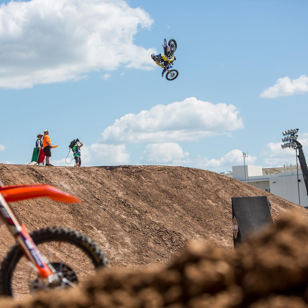 Las Vegas #XGames Qualifier • Moto X Best Whip • Moto X Freestyle  It's goin' down at Sam Boyd Stadium on Oct. 15!