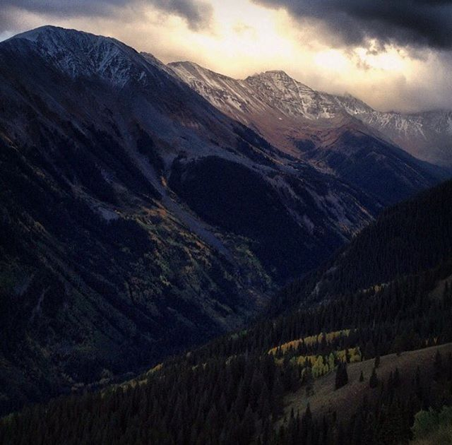 Fall in Aspen is pretty nice.  Here @willcardamone took a break from the stalking to grab another amazing image from his home. #defineyourroute