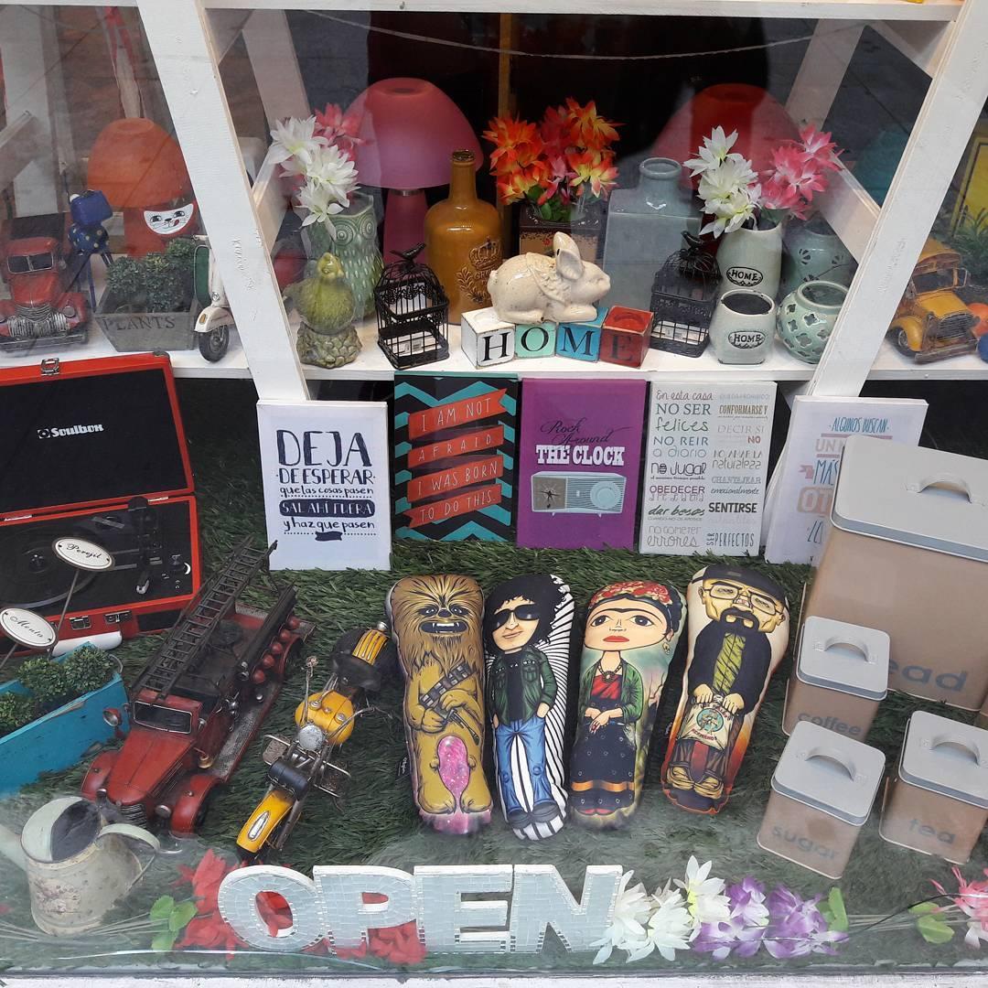 Pueden encontrar nuestros productos en @ohmylovearg #chewbacca #frida #cerati #heisenberg #personajes #regalosoriginales #pilgrim #puntosdeventa