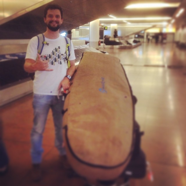 Traveling in #hemp style with wave tribe mini simmons travel #boardbag. Lax to uk.