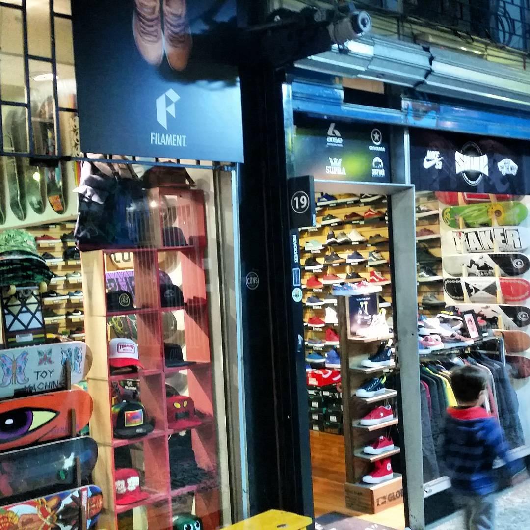 OPEN! #galeriaplazaitalia #filament_ar  hasta las 19hs con todas las #OFERTAS y #12cuotasSinInterés en todo #skateshop #skateboardshoes #streetculture