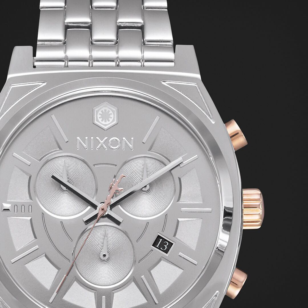The #CaptainPhasma #TimeTellerChrono. Inspired by the veteran stormtrooper commander's polished armor. A sleek silver case with the comfort you've come to know with every #TimeTeller model. #StarWars #Nixon