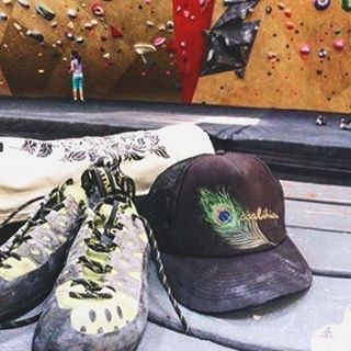 While waiting for winter @mollyrae27 gets her climbing kicks. What's keeping you sane this fall?