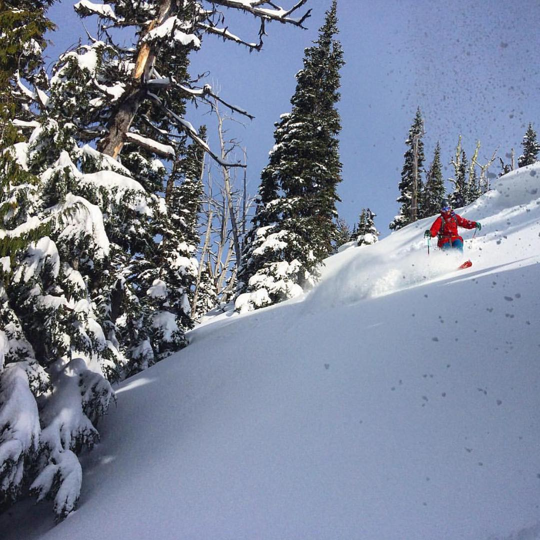 Our friend @yuliaaaa_d helping us dream of winter. Who's ready? #shejumps #iamsj #skiing