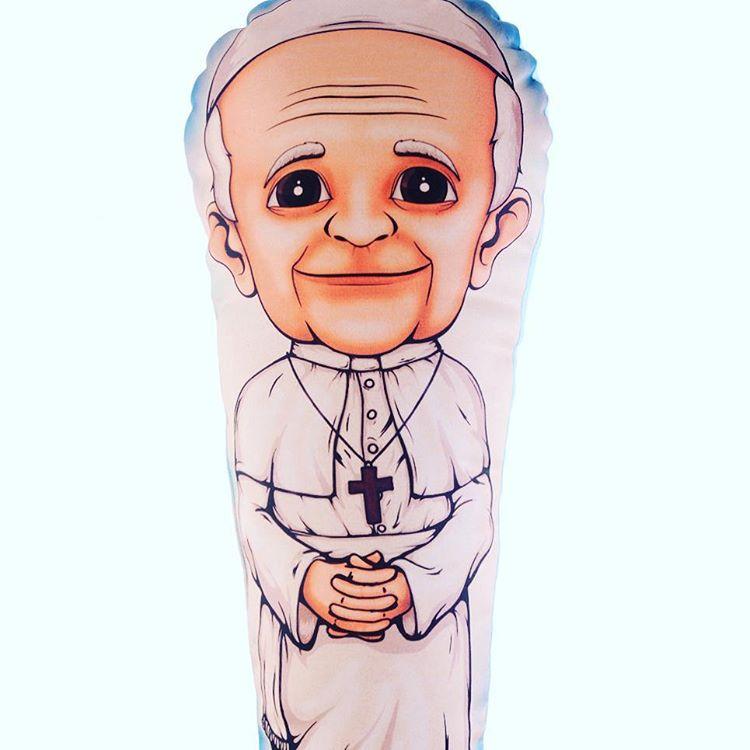 Nuestro papa les desea una feliz semana a todos los peregrinos :) #pilgrim #personajes #felizsemana #papafrancisco