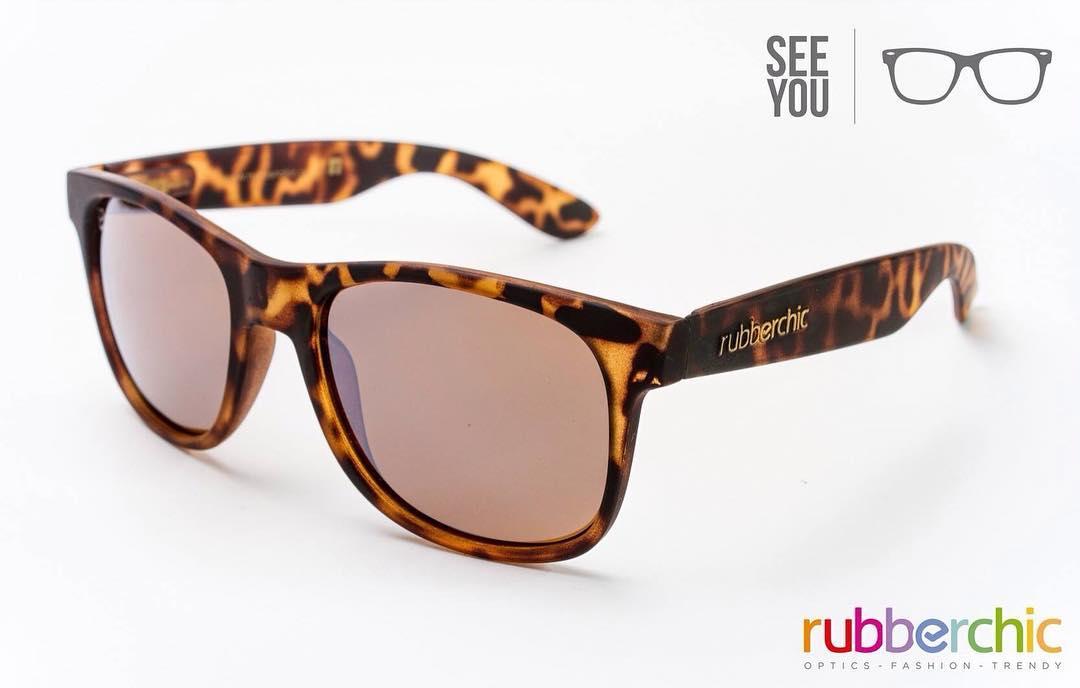 ¡El #Outfit de primavera incluye Gafas! Encontrá todas las gafas en Shop Online.  #itsrubbertime to #seeyou #Gafas #Primavera #YaComienzaLaPrimavera