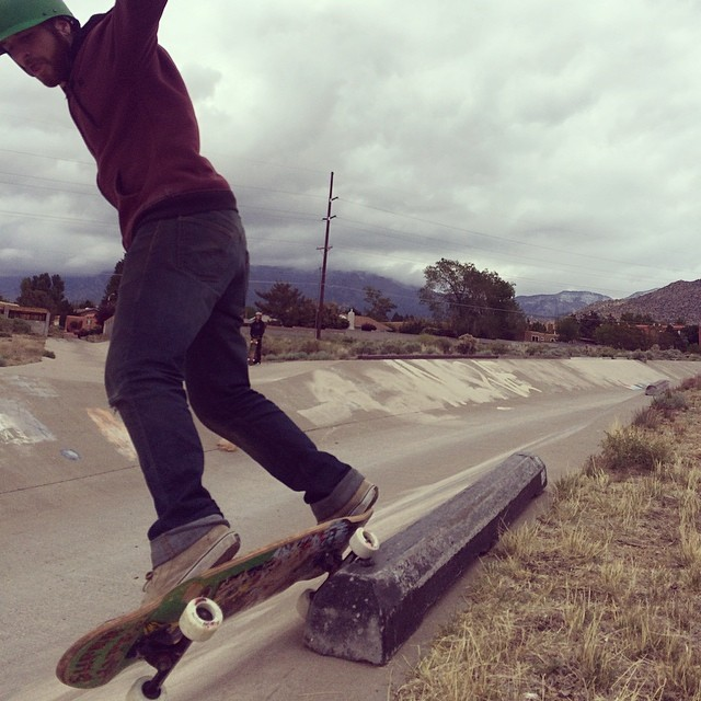 Team rider Dead Fred smashing curbs at home and in the ditch!  #deadfred #superfatty #bonzing #newmexico #getonthebus #slapsafari