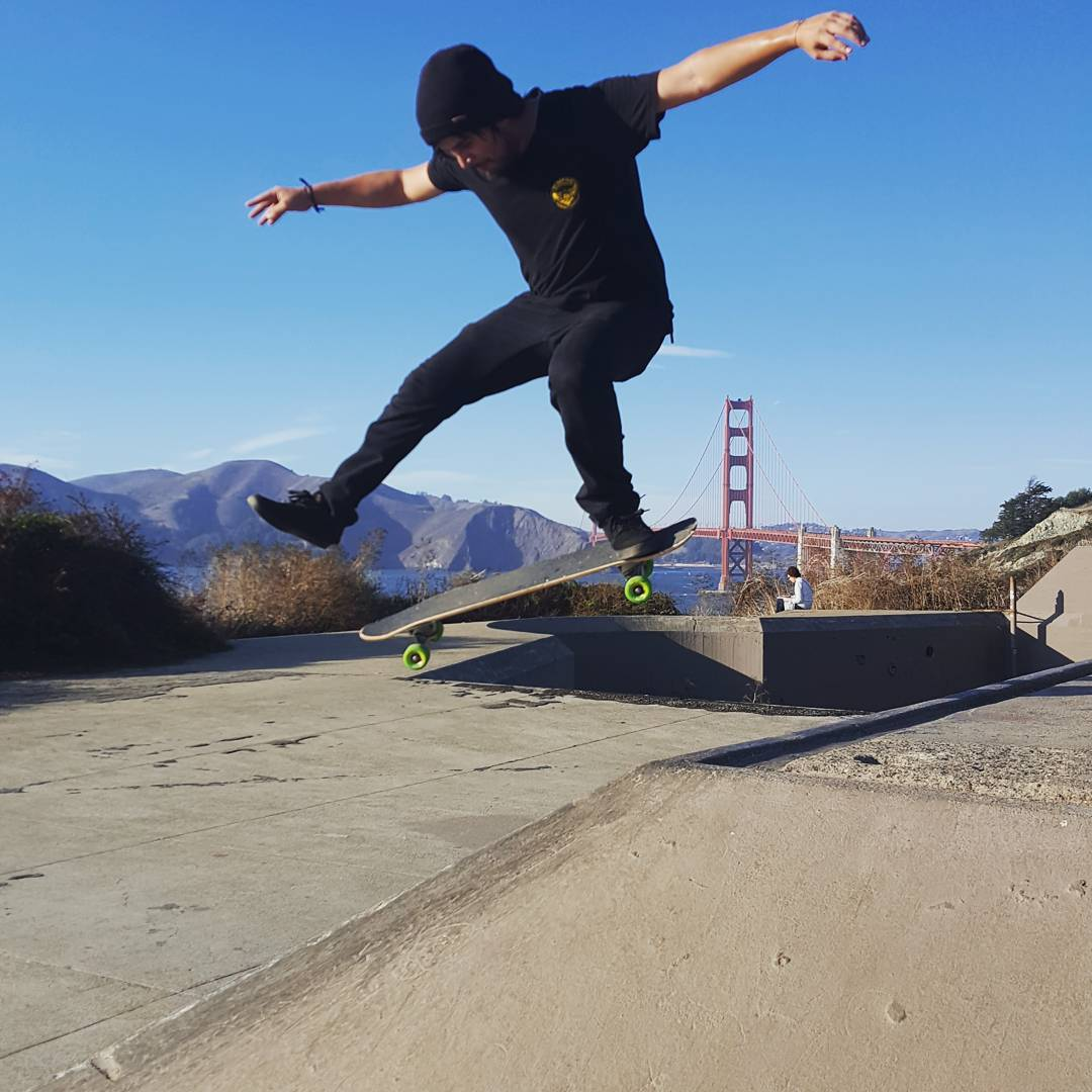 Team rider James Tracey--@deadbear13 is in the Bay and wrecking havoc!  #jamestracey #dietfatty #bonzing