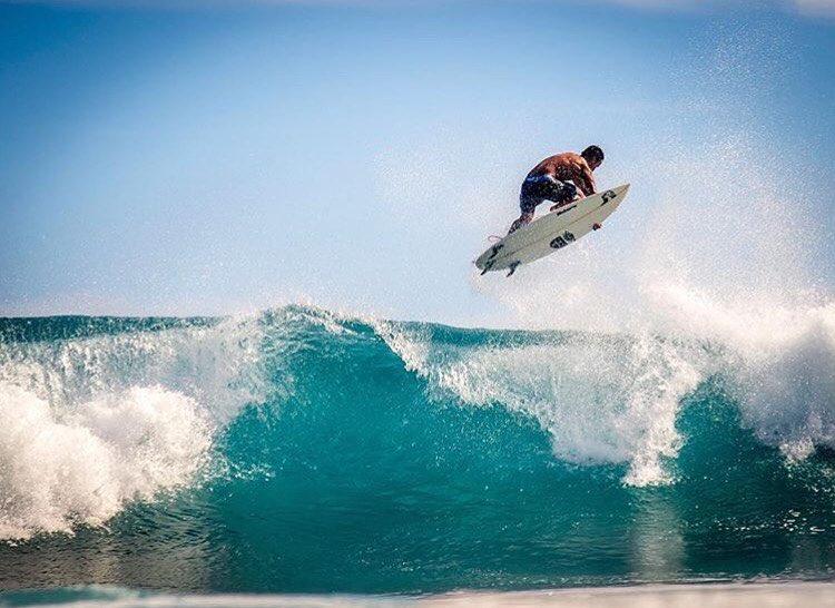 Over head high with Team Rider @kainoahaas #inspiredboardshorts | Photo: @instaclamfunk