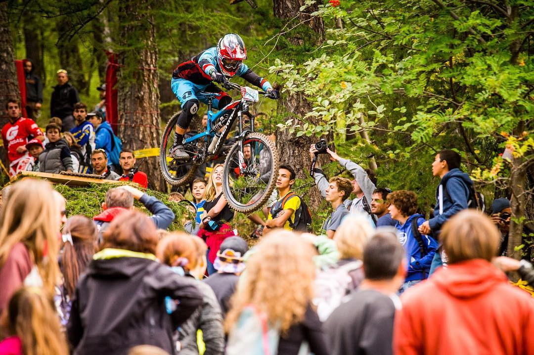 Re-live all the action from #EWSValberg as Adrien Dailly maintains his winning ways and Nico returns from injury back onto the Enduro World Series  podium. Super stoked for Team Lapierre Gravity Republic #SixSixOne #661Protection #ProtectFun Photo...
