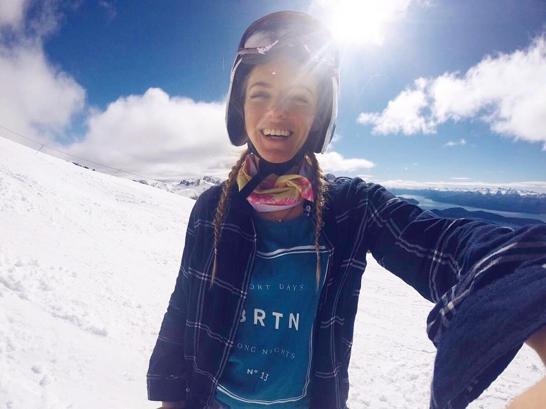 Arrancar el día con una sonrisa: ✅ con @jusmrolon #BurtonGirls #MejorBurton