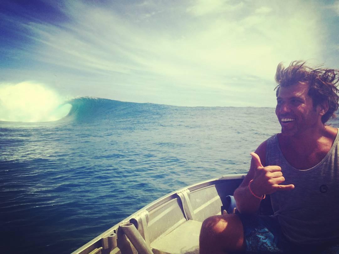 Y los amigos MAE siguen viajando por el mundo. Pablo de paseo por #tahiti #teahupoo  #maetuanis #surf #surfing #surftrip #frenchpolinesia