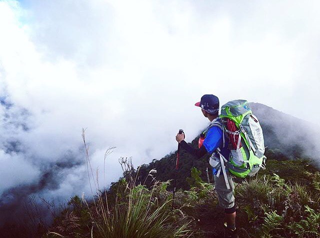 Every teacher I've ever had has told me to get my head out of the clouds. I always wondered why you'd want to do that. @christopher_hassan knows what's up. Mt. Amuyao, Philippines #MHMgear #PacksElevated #MtAmuyao
