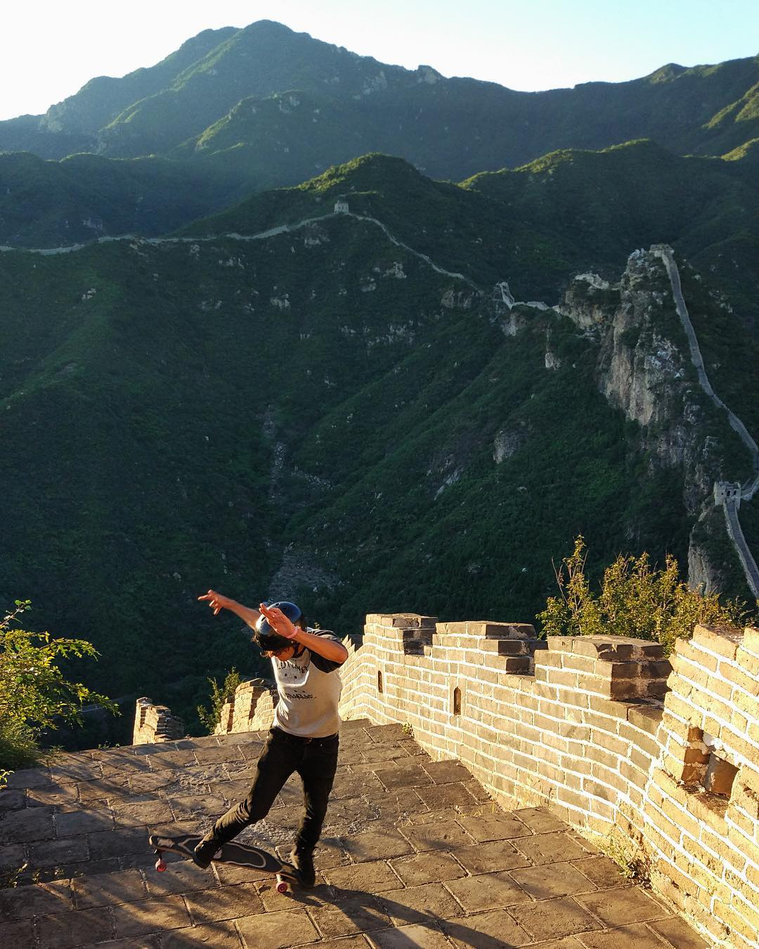 The Paris Truck Co. crew paid a very special visit to a remote, rural, overgrown section of the incredible #GreatWallofChina, roughly two hours North of #Beijing. @Ari_Shark took the opportunity to fire out a G-Turn Fakie Shuv-It combo at sunset to...