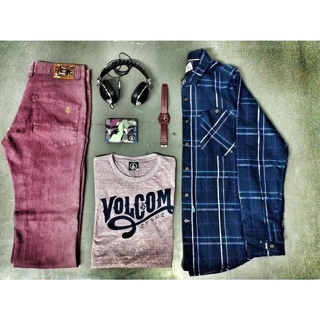 Sugeridos de esta semana en Volcom! Volcom Nova Fit #VBJ + Down Warf Tee #volcomtee + why factor Shirt + Accesorios #Volcom #W14 #ootd