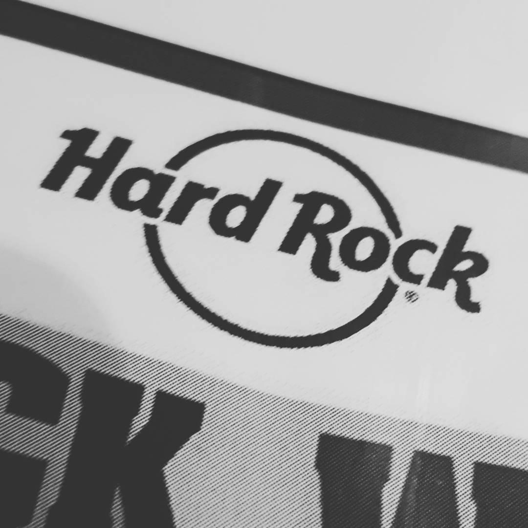 Noche de Martes, Noche de @hardrockcafebsas  Ya estamos listos para una nueva semifinal del #vivarocklatino