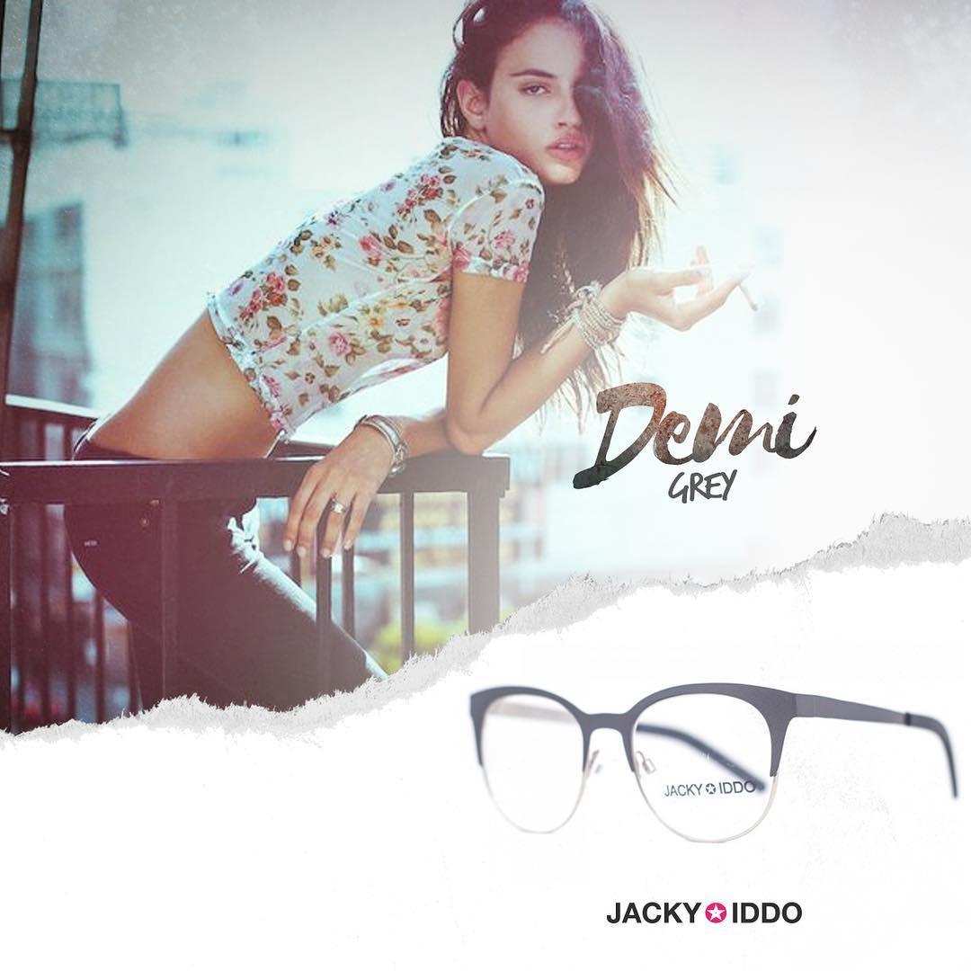 ✖︎ Demi Grey ✖︎ #urban #look #style #urbanstyle #lentes #anteojos #gafas #sunglasses #jackyiddo #actitudjacky