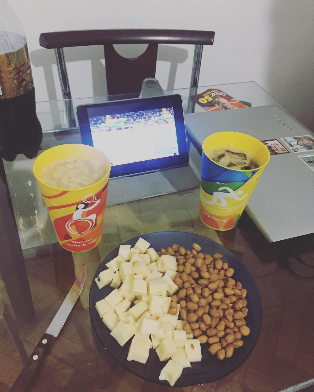 Picadita, Fernet, milanesas y fútbol para matar a saudade