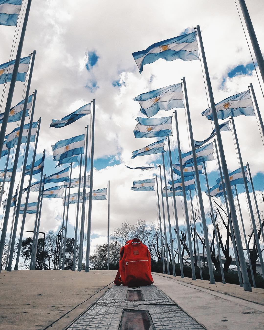"""Colección """"Buenos Aires"""" S/S 2016 - 2017 :: Liniers Roja :: @matitorresss"""