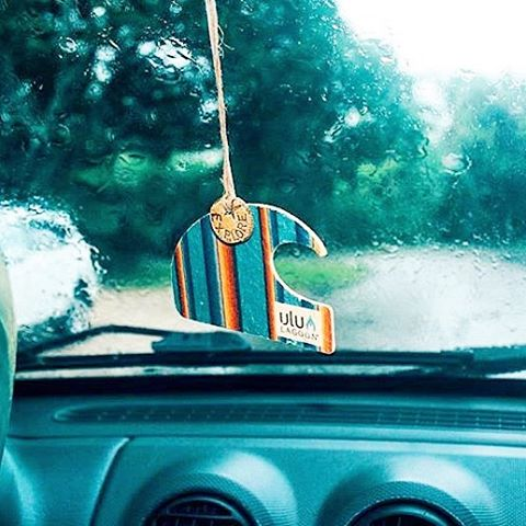 Bring some sunny thoughts with you wherever you go, even when it's raining. #lifestyleonwax
