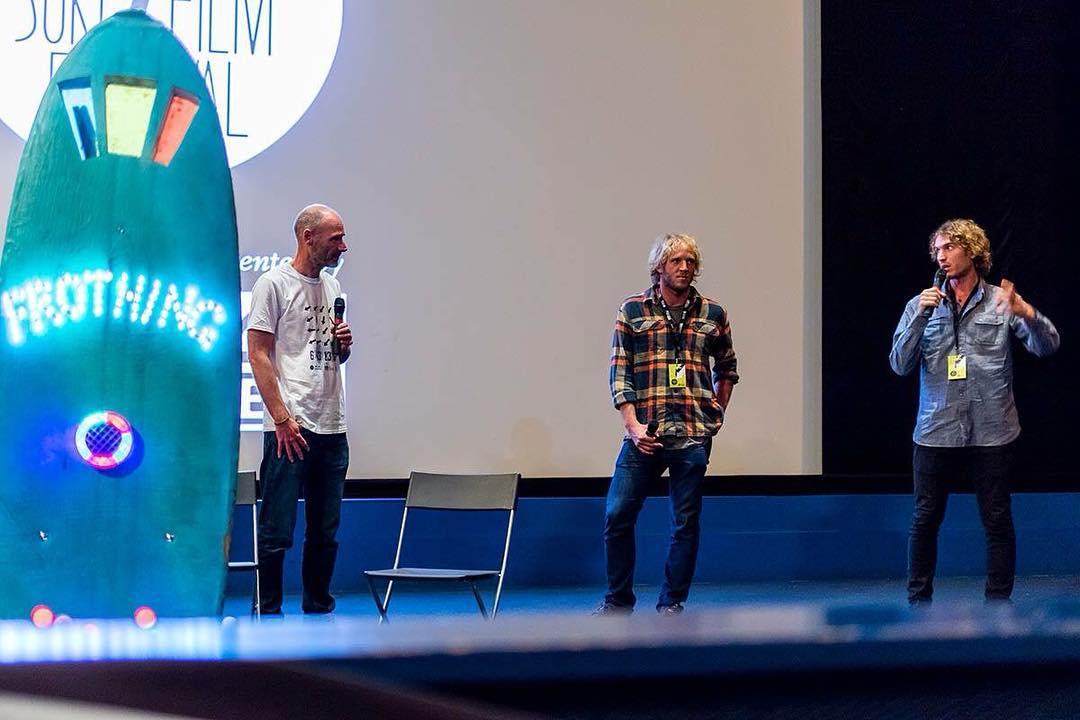 Anoche presentamos #PeninsulaMitre en el @londonsurffilmfest! Fue muy lindo compartir personalmente la expedición. Mañana sigue la gira por Europa - 21hrs en el Surfari. Festival de Cine Documental de Surf de Andalucía!