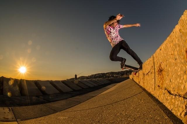 O parabéns de hoje vai para o catarinense @luiznetosk8, um verdadeiro overall skater. Conhecido por seu forte nível de skate em várias modalidades, desde cedo ele sabe o que é superar obstáculos. E é por essa correria que a QIX Family te deseja Feliz...
