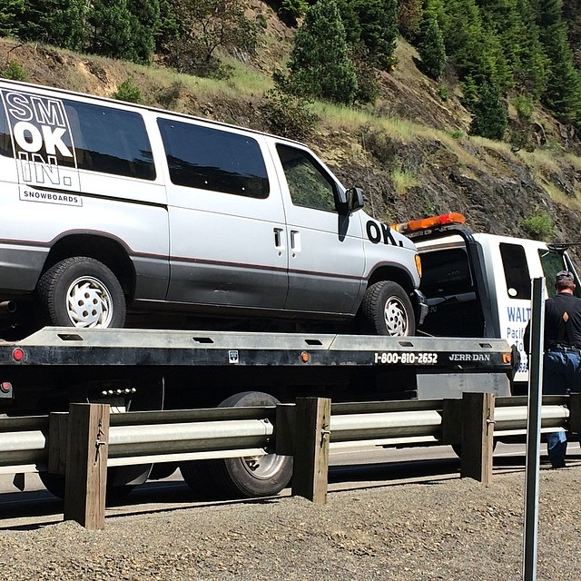 Van life.. Stuck in Medford , after being stuck in Government camp. The rest of the crew got a rental yesterday- good call. She is getting fixed for real, no more break downs.. #forridersbyriders #handmadelaketahoe
