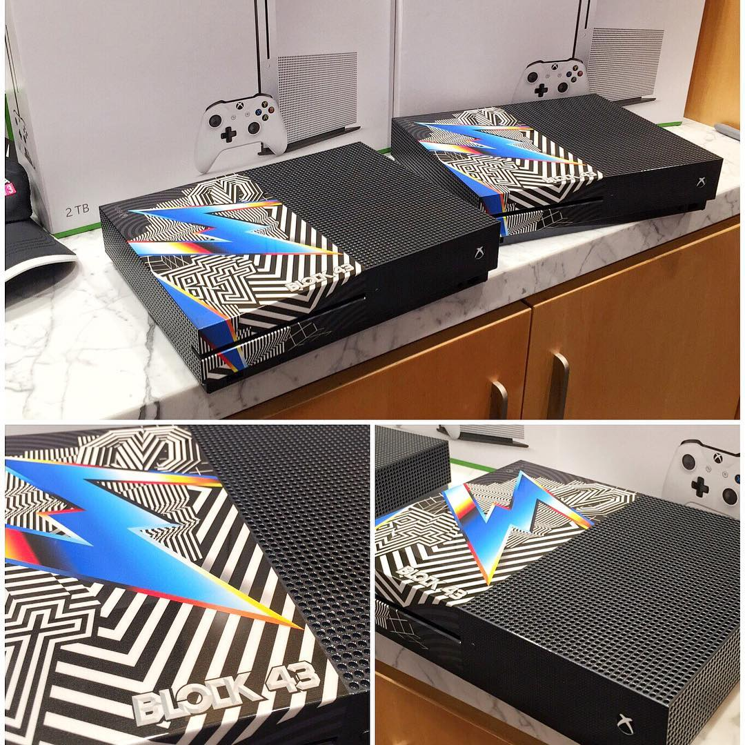 Here are some detail shots of the custom Xbox One S console unit that Microsoft made for the Forza Horizon 3 launch. These are two of ten made and I'm taking one of them home tonight after the launch event! But, maybe I'll give it away to one of you...