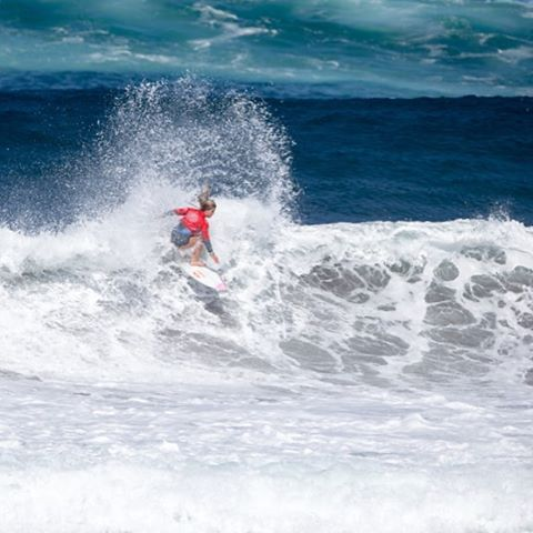 Congratulations to @caroline_markss, ISA U-16 World Junior Champion! #ROXYsurf