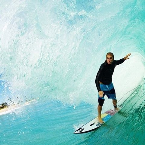 Our buddy @petemendia cruising through life. Shared by our friends  @sixzine .