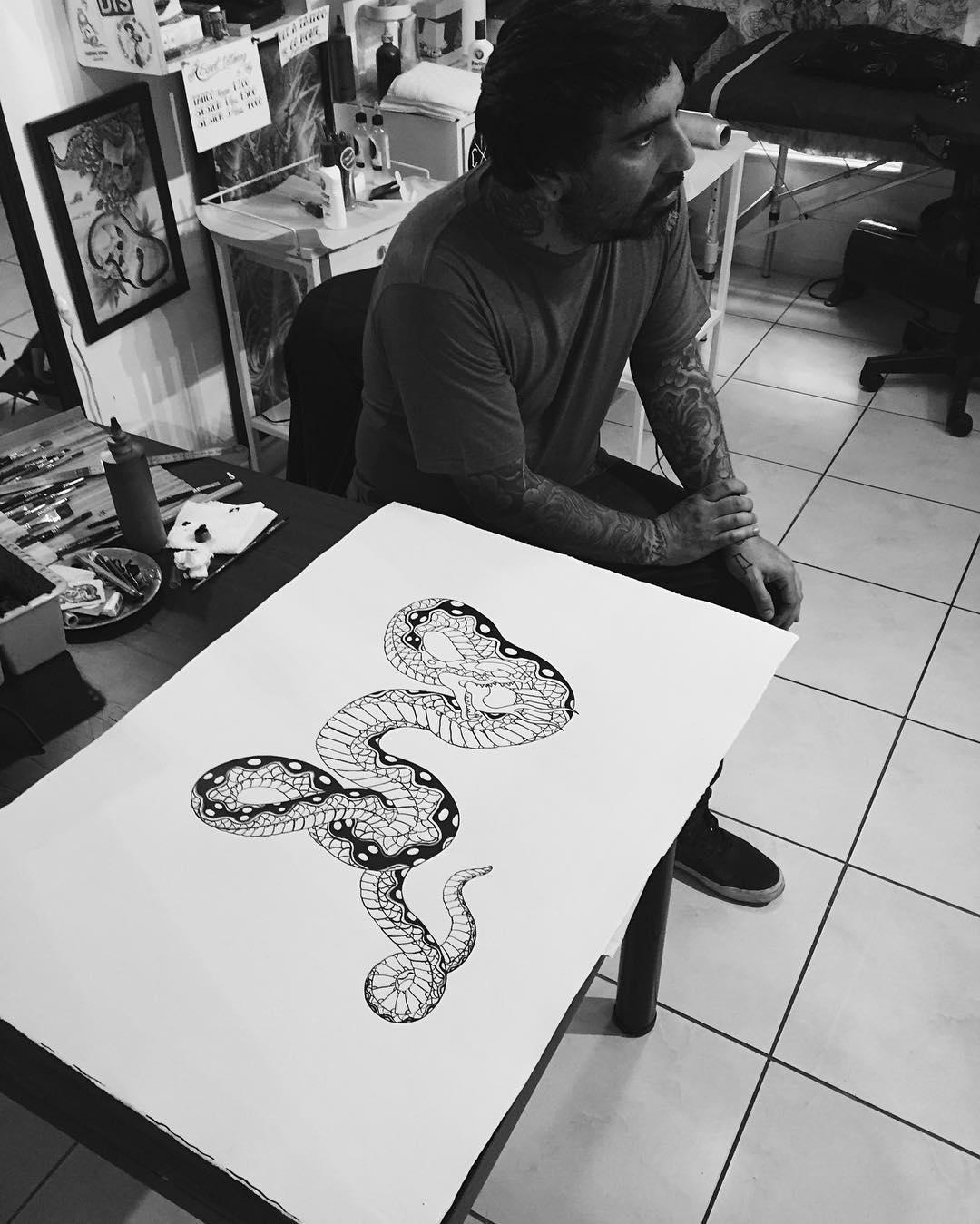 A recorrer el mundo de la tinta por Europa @tatumartinez Buen viaje hermano