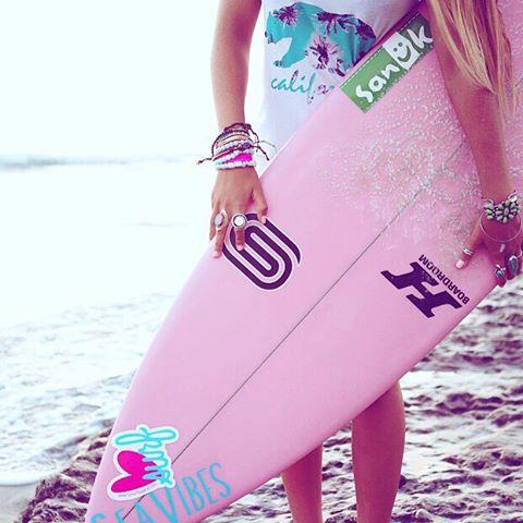 Monday to do list: 1.surf more 2.travel more 3.worry less #mondays #goals #rulestoliveby #livelife #livefree @maliafaramarzi
