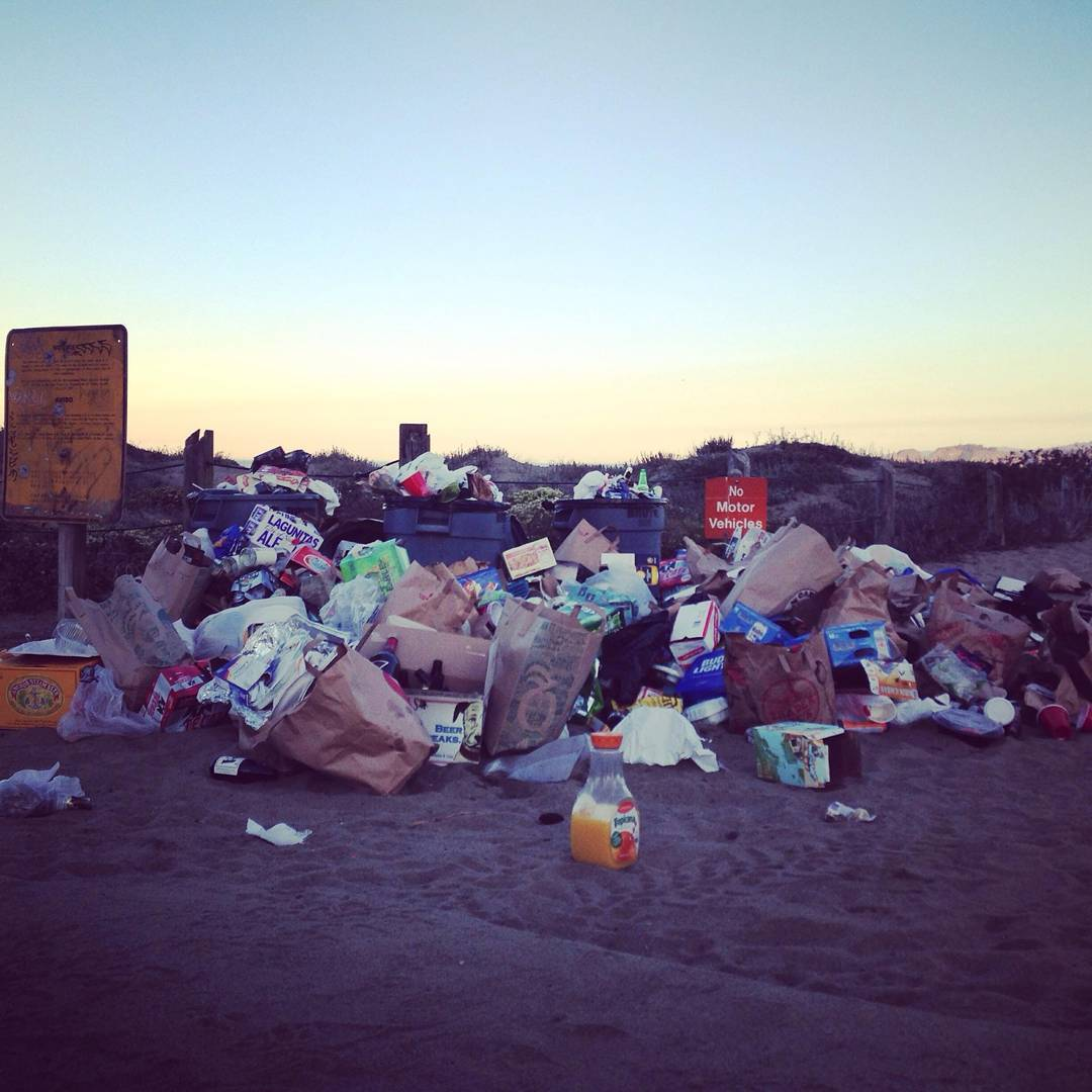 A sad morning at #bakerbeach captured by our most committed beach cleaner, @bakerbeachsf. It doesn't have to be like this! Treat the beach like your home and pack your trash if the bin is full and spread the word. Do a #minibeachclean every visit to...