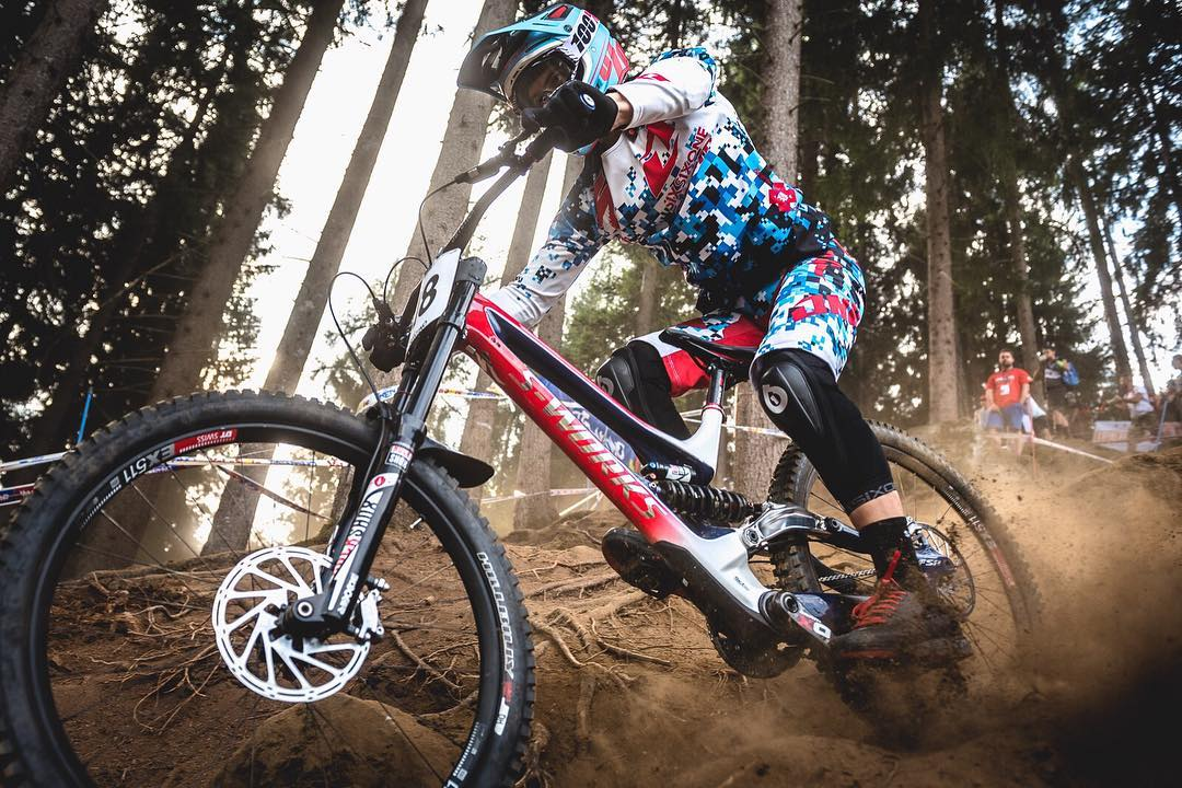 @teamspecializedgravity @lorisvergier Shredding through the dust of the #ValDiSole World Champs track in our #RageKnee protection. Photo by @davetrumporephoto #SixSixOne #661Protection #ProtectFun