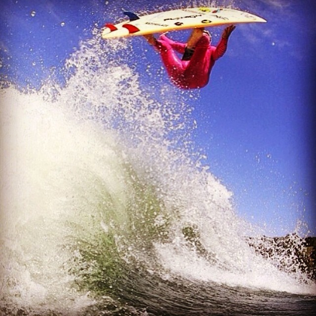 Yes, this is behind a boat. One of the bigger waves we have ever seen. #wakesurf #wakesurfing #djjamesz
